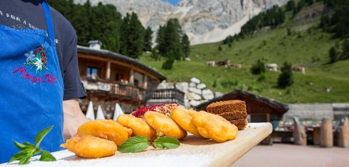 Wandern in den Dolomiten im Latemar